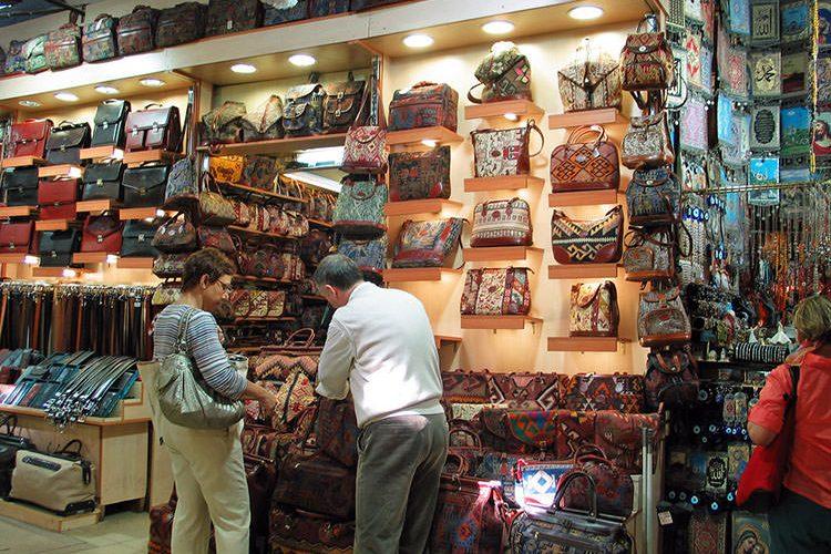 سوق الجملة للملابس في اسطنبول