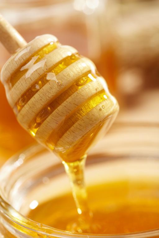 هل العسل مفيد للامساك عند الاطفال؟