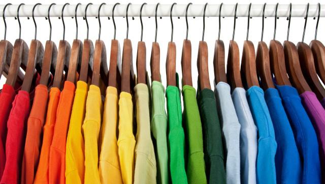 مستلزمات تجهيز محلات ملابس