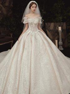 بيع فساتين زفاف اون لاين