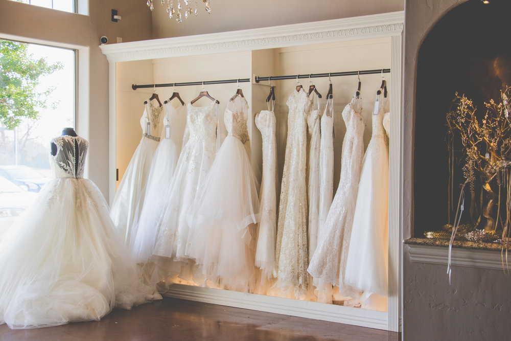 مصنع فساتين الزفاف
