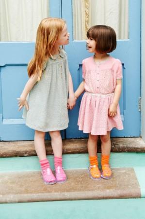 اماكن ملابس اطفال جمله