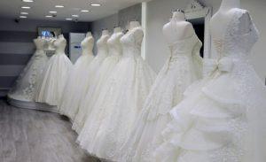 شركات لبيع فساتين زفاف